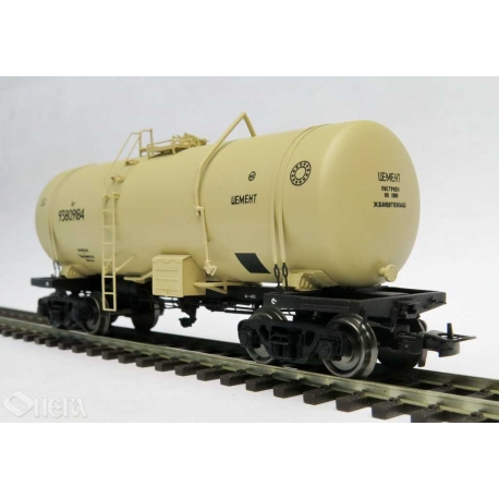 Onega 4-axle tank wagon for cement, model 15-1405-0201, HO