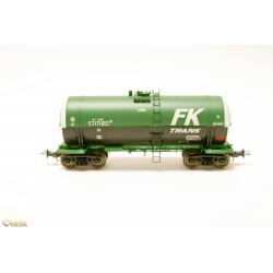 Onega 15-1443-0201 4-axle tank wagon for viscous petroleum products, HO