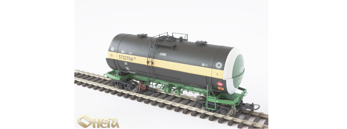 Onega 4-axle tank wagon for phenol, model 15-1603-0001, HO