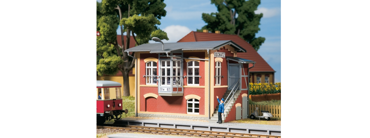 Auhagen 11411 Stellwerk Oschatz / Oschatz signal box, HO