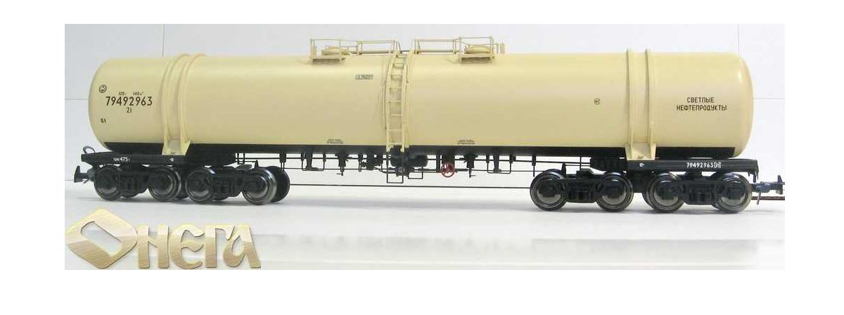 8-осная цистерна для светлых нефтепродуктов Онега, модель 871-0002