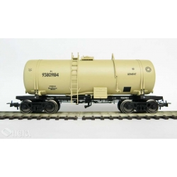 Onega 4-axle tank wagon for cement , model 15-1405-02, HO
