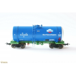 Onega1443-0002 4-axle tank wagon for petroleum products, HO