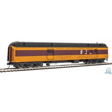 Walthers 920-17405 70' Heavyweight Railway Post Office - Baggage Car - Ready to Run -- Milwaukee Road, HO