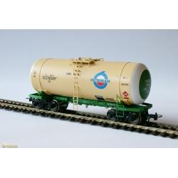 Tank car wagon HO for gasoline Onega 15-1547-0003