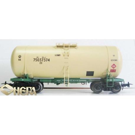 Tank car wagon HO for gasoline Onega 15-1547-0004