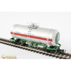 Onega 4-axle tank wagon for pentane, model 15-1520, board no 782608, HO